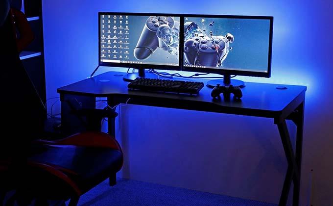 Столы для настольных компьютеров