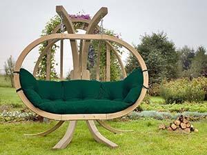 Jaki hamak wybrać na ogród i na balkon? - Fotel hamakowy dwuosobowy drewniany Globo Royal Chair Weatherproof