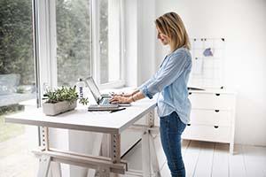 Jaki wpływ mają meble biurowe na zdrowie pracownika? - Zdrowe meble, czyli właściwie jakie