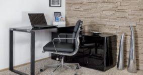 klasyczne eleganckie biurko ze szklanym hartowanym blatem do komputera z szafką